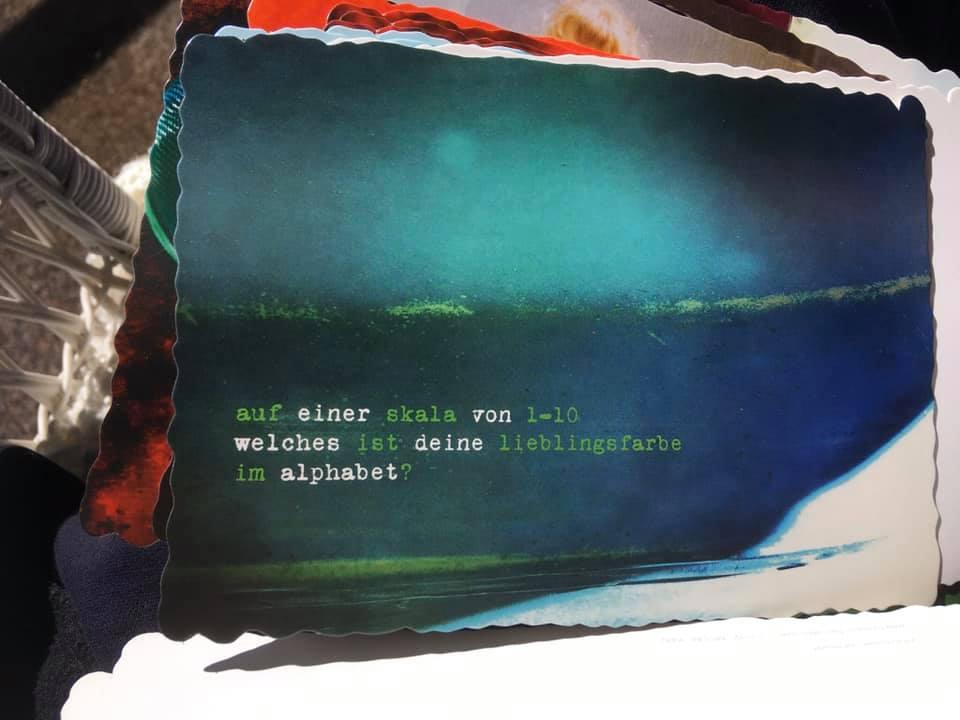 Die Rückseite einer Postkarte…